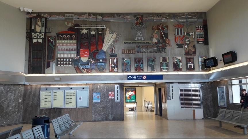 Ca se passe près de chez vous …        Ernest D'Hossche et                                        la gare de La Louvièrecentre