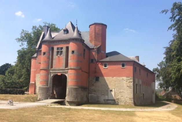 A quelques pas de chez vous… Le château deTrazegnies