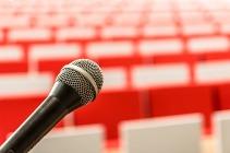 microphone-2775447_1920