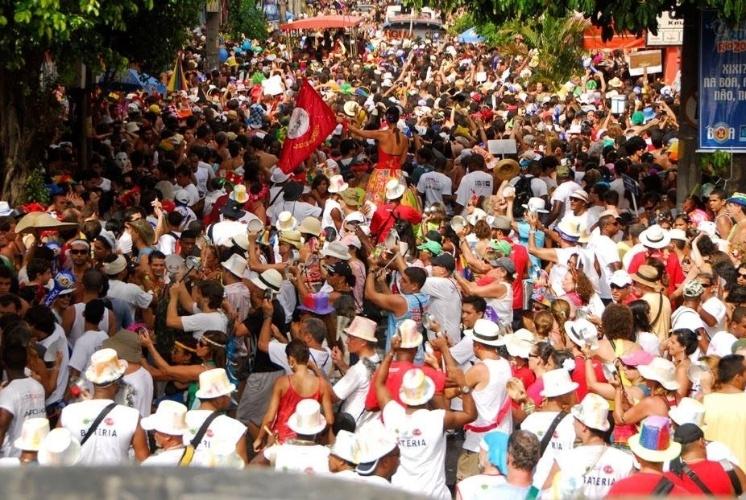 desfile-do-bloco-barbas-em-botafogo-no-rio-de-janeiro-o-bloco-tem-cerca-de-80-integrantes-na-bateria-1390428558278_746x500