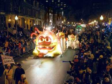 Quebec-Winter-Carnival-Night-Parade